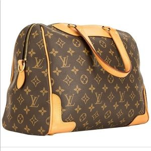 Louis Vuitton retiro gorgeous! Great cond